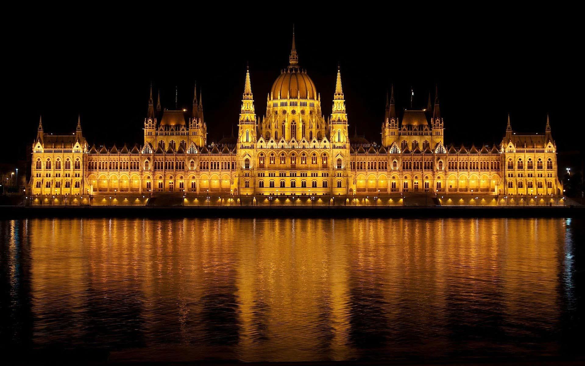 Budapest in Flammen