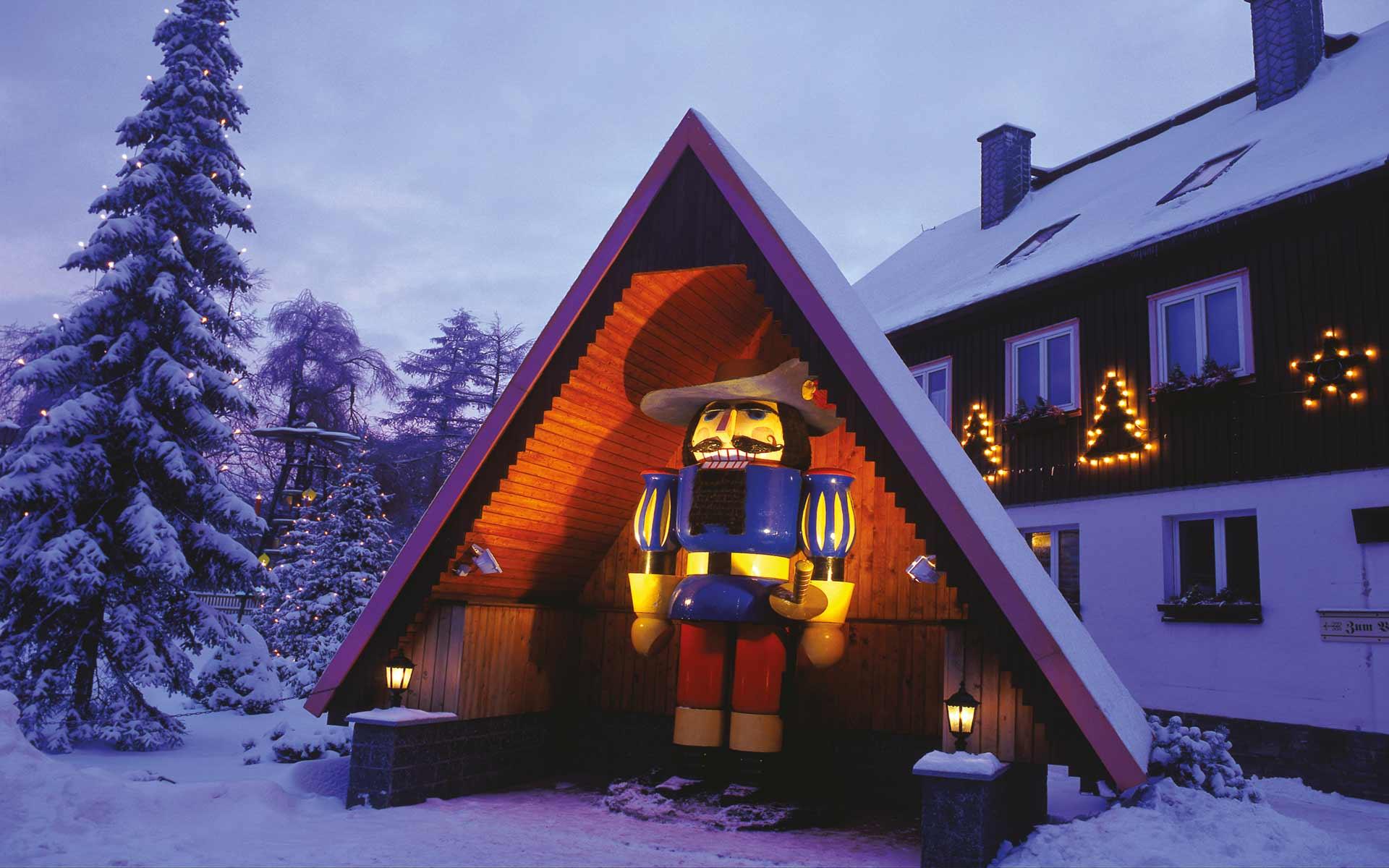Auf den Spuren weihnachtlicher Bräuche durchs Erzgebirge